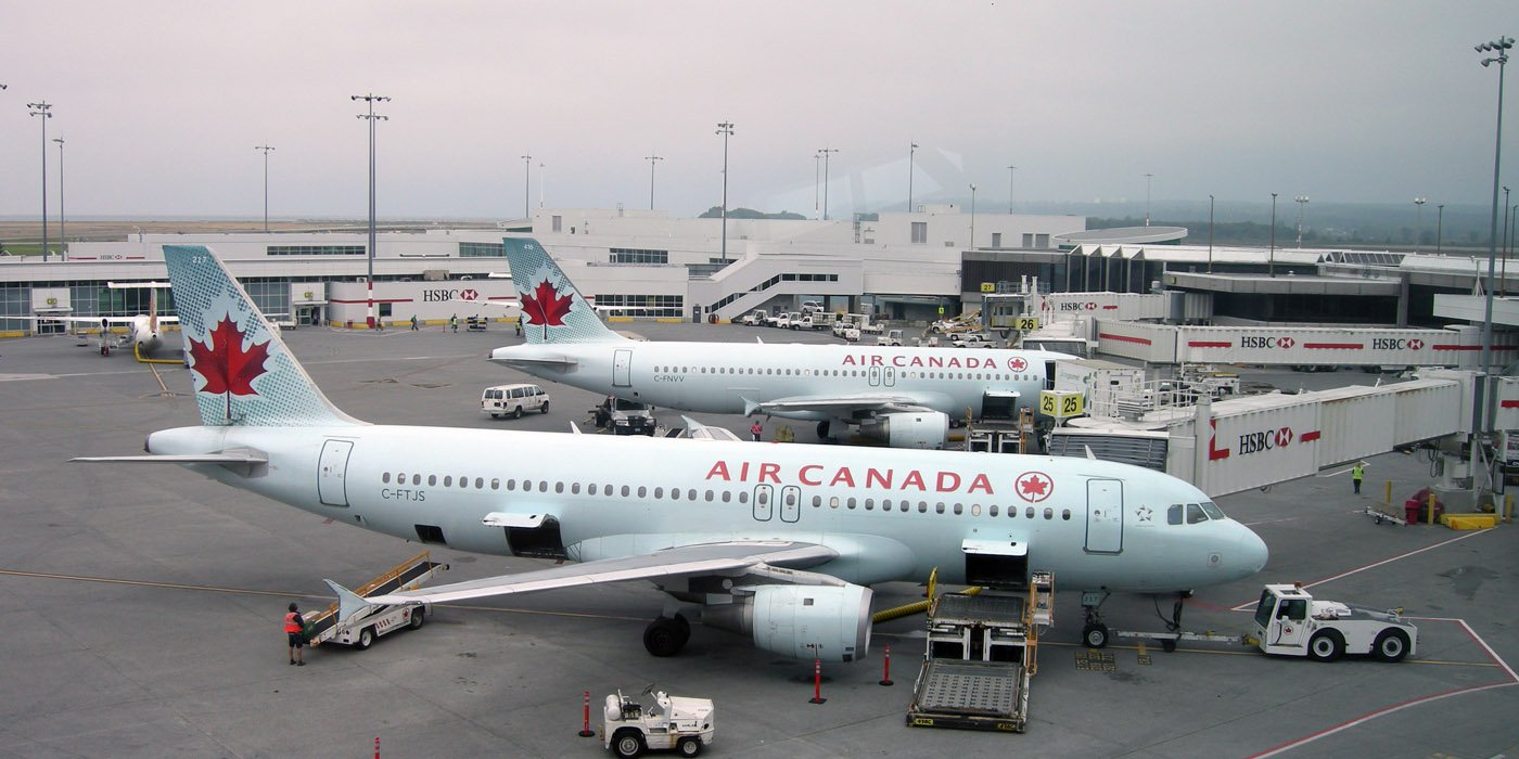air-canada-airbus-a319s-on-ramp-at-vancouver-airport-yvr-2013-1_31242